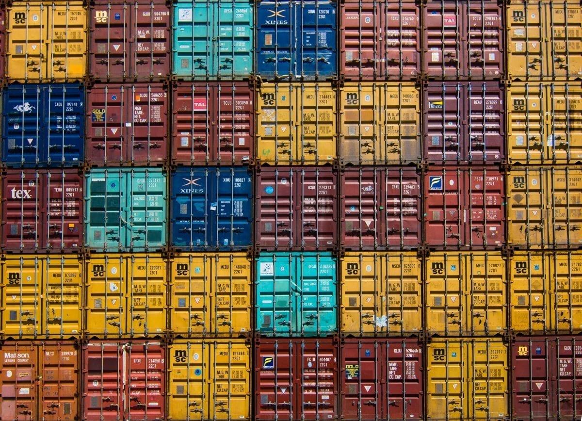 Jak wybrać firmę budującą kontenery morskie?