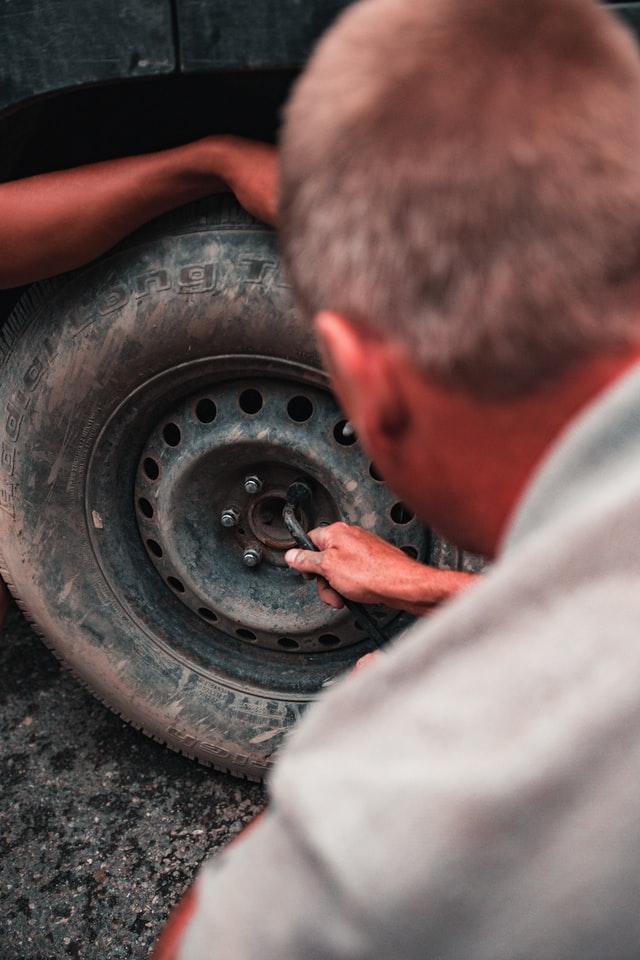 Jak wygląda praca – pomoc drogowa?